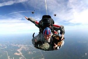 tandem-skydivers-713708__340